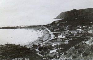 Karehana Bay early 1920s; no Cameron's Guesthouse, Boating Club, St Pauls Church or sea wall Photo courtesy Mary Casey Collection