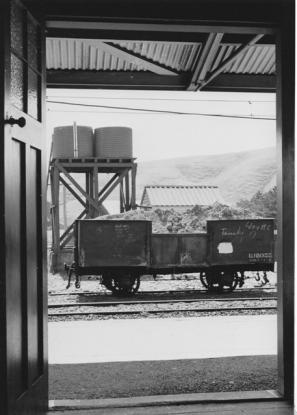 resizedimage297415-5-Plimmerton-Station-February-1956smaller