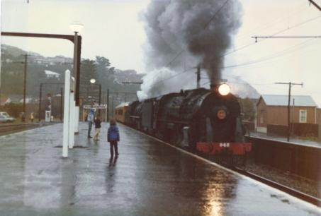 resizedimage453306-1985-Plimmerton-Station-Steam-on-a-Rainy-Day